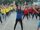 Á hậu Hoàng Anh trẻ trung, nhí nhảnh nhảy Flashmob