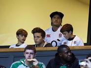 Bà ngoại mất, Beckham đưa quý tử đi xem bóng bầu dục cho vơi nỗi buồn