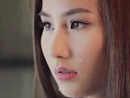 """Diễm My 9x khóc như mưa khi nghe """"hit"""" của Hồ Ngọc Hà"""