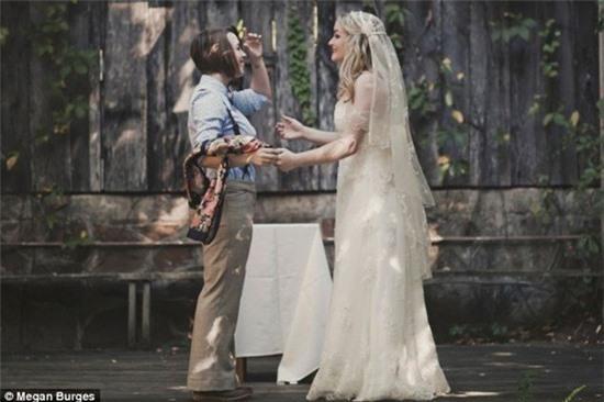Bộ ảnh cưới của cặp đồng tính nữ gây sốt Internet 5