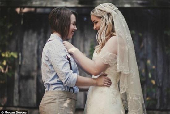 Bộ ảnh cưới của cặp đồng tính nữ gây sốt Internet 6
