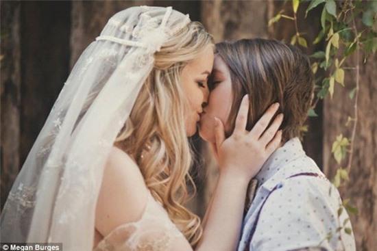 Bộ ảnh cưới của cặp đồng tính nữ gây sốt Internet 8