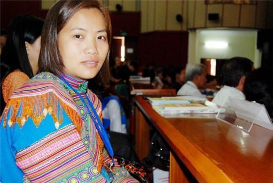 Nước mắt của cô giáo trẻ người Mông