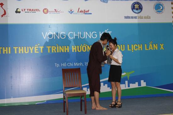 600 sinh viên TP.HCM hào hứng giới thiệu du lịch VN