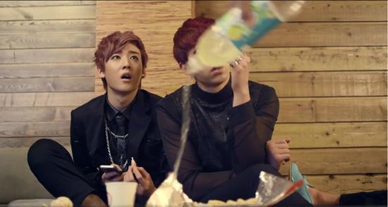 """Chết cười với """"Thanh niên nghiêm túc"""" phiên bản Hàn"""