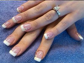 Những kiểu nail tuyệt đẹp cho cô dâu trong ngày cưới