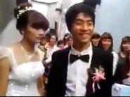 Cô dâu lạnh lùng không cho chú rể hôn trong đám cưới