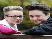 Nữ sinh bị đuổi học chỉ vì cắt tóc ngắn