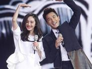 Dương Mịch và Lưu Khải Uy say nắng tình cảm trên sân khấu