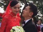 Lê Thúy nghẹn ngào trong ngày rước dâu