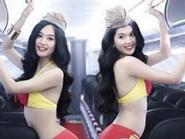 Ảnh Ngọc Trinh mặc bikini trên máy bay bị cho là thảm họa hàng không
