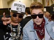 Justin Bieber khởi động 2015 với hit mới