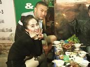 Facebook 24h: Mặc scandal, Quỳnh Nga - Doãn Tuấn thoải mái đi ăn cùng bạn bè