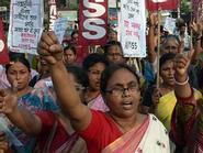 """Ấn Độ lại """"rúng động"""" vì thiếu nữ bị hãm hại tập thể"""