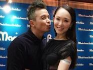 """""""Tiểu Long Nữ - Dương Quá"""" Singapore bất ngờ hôn nhau trước ống kính"""