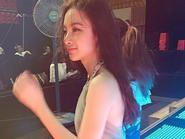 """Facebook 24h: Angela Phương Trinh: """"Vạn tiễn xuyên tâm"""""""