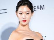 """Biểu tượng gợi cảm Hàn Quốc bị """"yêu râu xanh"""" U70 quấy rối"""