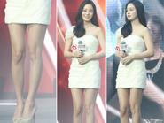 Kim Tae Hee khoe chân thon dài tại sự kiện