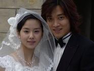 Hé lộ 'ảnh cưới' năm 17 tuổi của Lưu Thi Thi