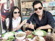 """Facebook 24h: """"Bắt gặp"""" Lý Nhã Kỳ, Trần Bảo Sơn đi ăn lề đường"""