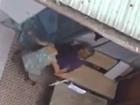 Clip con gái mắng và đánh mẹ già yếu 90 tuổi gây phẫn nộ