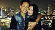 Facebook 24h: Vợ chồng Tuấn Hưng hạnh phúc du hí Singapore