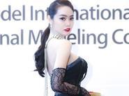 Á Hậu Linh Chi khoe ngực đầy tại Hàn Quốc