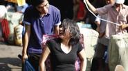 Ảnh cưới bình dân 'Đời bươn chải' của cặp đôi Sài thành