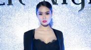 Á hậu Linh Chi lại nóng bỏng khoe ngực đầy eo thon