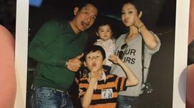 Gia đình Jennifer Phạm đua nhau xì tin đáng yêu