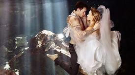 Uyên ương sáng tạo khi chụp ảnh cưới với nước