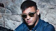 Neymar làm mới mình với vẻ lạnh lùng nam tính