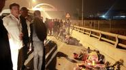 Hai cha con chết thảm dưới bánh xe tải ngày cận Tết