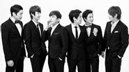 Shinhwa không còn 'sung' trên sân khấu vì 'sợ chết'