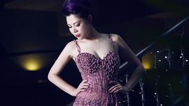 Thanh Thảo sexy quyến rũ với đầm dạ hội đính đá