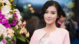 Sao Việt liên tục mắc lỗi ăn mặc rườm rà, lòe loẹt