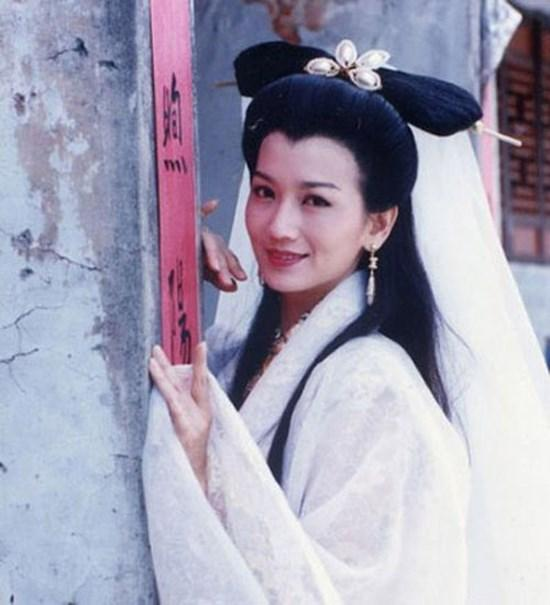 Nhan sắc trong sáng tựa nữ thần của kiều nữ Hoa ngữ