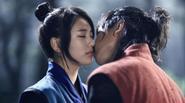 5 Cảnh hôn ngọt khó cưỡng của Suzy