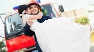 Tình yêu 7 năm tuyệt đẹp của chàng lính cứu hỏa trong bộ ảnh cưới gây sốt