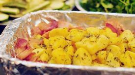 Khoai tây nướng ba chỉ xông khói và phô mai