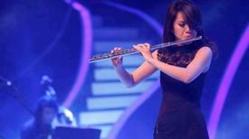 Cô gái Việt Nam trình diễn sáo mèo thuyết phục BGK Asia's Got Talent