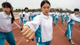 Nữ sinh Trung Quốc học cách đối đầu với 'yêu râu xanh'