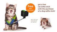 """Bật cười với sản phẩm """"gậy tự sướng"""" dành cho chó, mèo"""