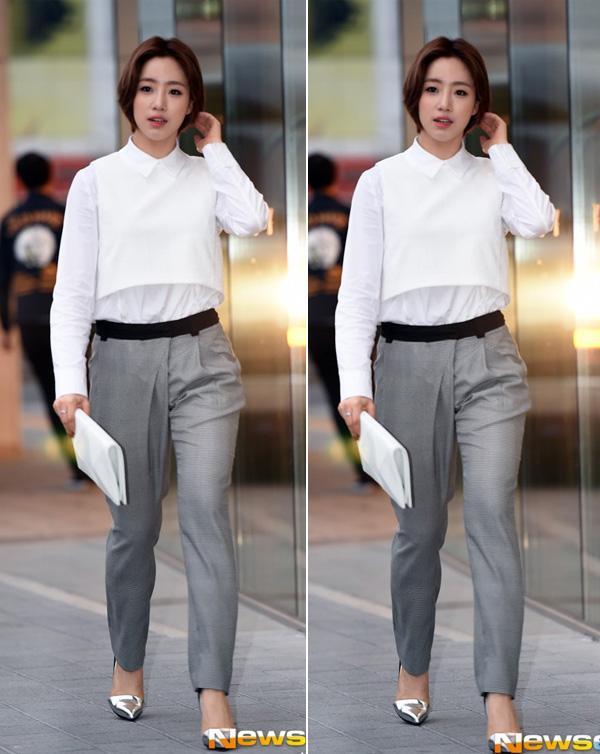 (2Sao) - Soo Young, Lý Băng Băng, Lưu Thi Thi... là một trong những ngôi sao  nữ châu Á khiến nhiều người ngưỡng mộ khi diện quần tây kết hợp áo sơ ...