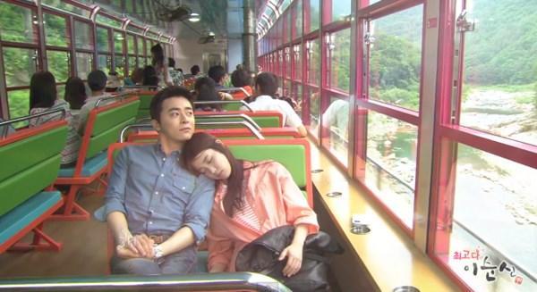 6 Sao Hàn ngủ gật bên vai người yêu