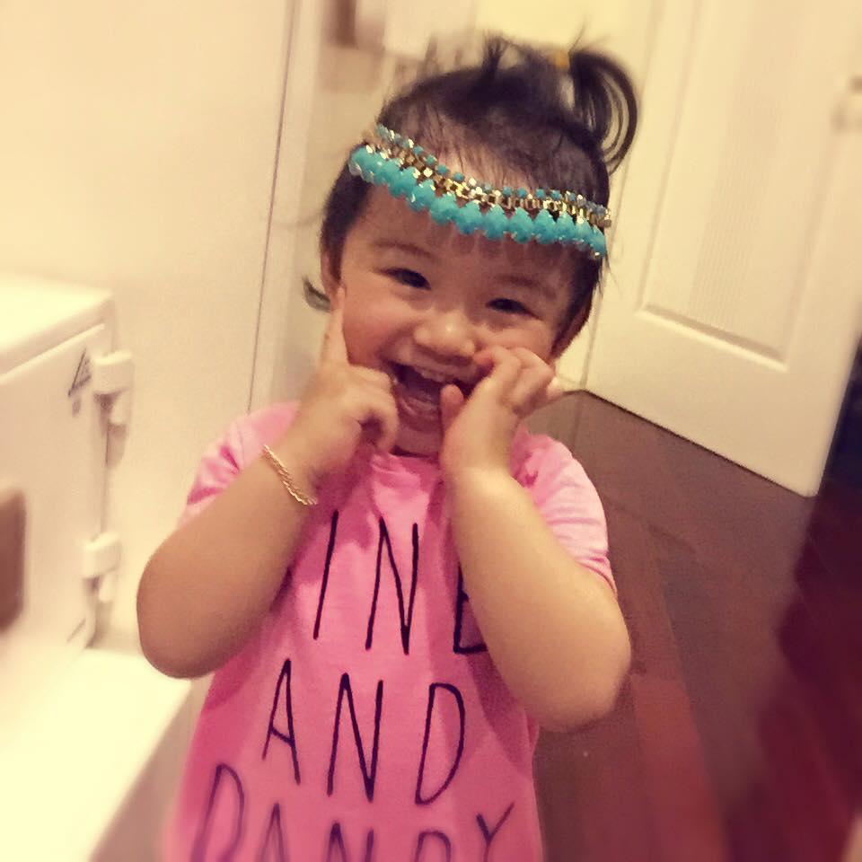Con gái Jennifer Phạm ngày càng đáng yêu
