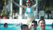 Teen cuối cấp táo bạo mặc bikini chụp ảnh kỷ yếu