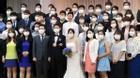"""Dân mạng sốc với bức ảnh: """"Đám cưới thời dịch MERS"""" tại Hàn Quốc"""