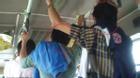 Nạn móc túi lại hoành hành trên xe buýt tại TP.HCM