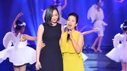 Mẹ con Mỹ Linh – Anna Trương khoe sắc trên sân khấu